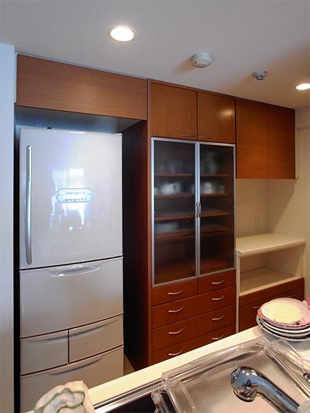 食器棚+フラップアップ扉 冷蔵庫上吊戸棚【s037】