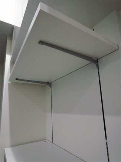 吊戸棚,背面可動棚板