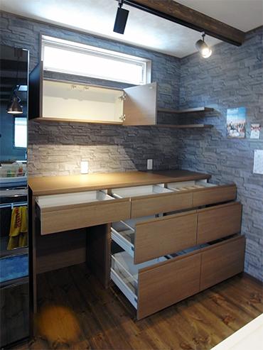 飾り棚付き扉同色天板食器棚【s163】
