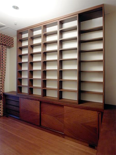 【b018】既存家具上本棚