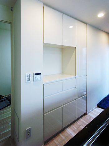 【s166】鏡面ホワイト扉食器棚