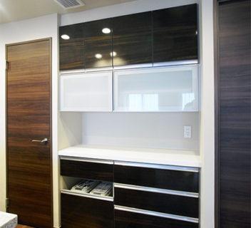 【t035】食器棚リフトアップガラス吊戸棚