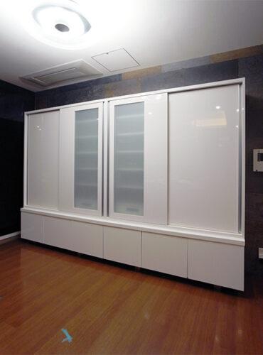 【s178】既存TVボード上引き違い扉食器棚
